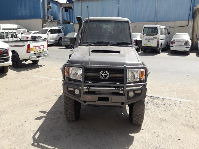 2013 Toyota Land Cruiser p/up
